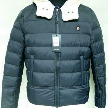 05 Куртка AVVA